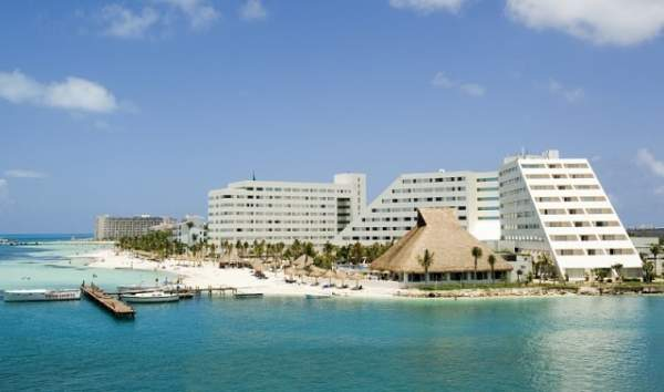 hotel oasis palm beach cancun